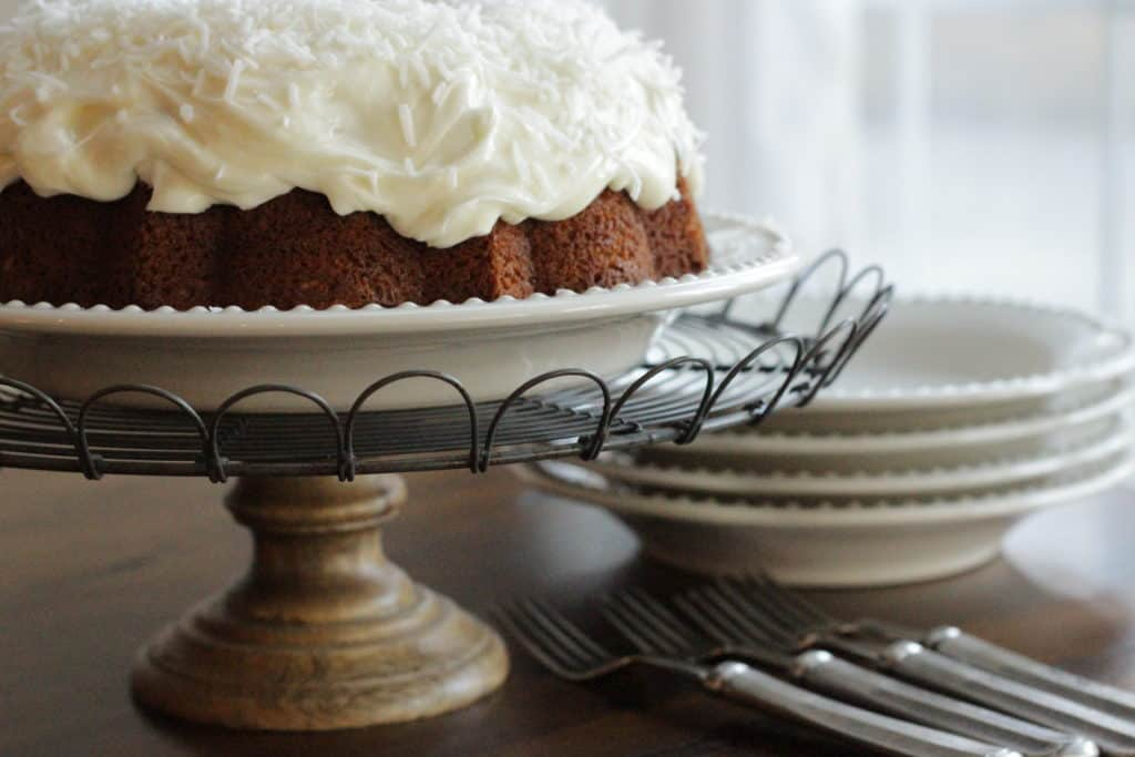 How Do You Frost A Bundt Cake